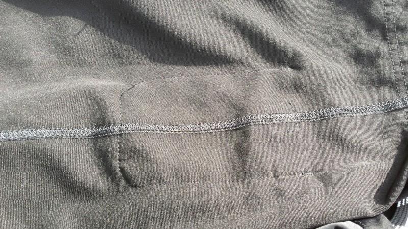 Kleine Tasche der AMRAP Trainingshose von innen