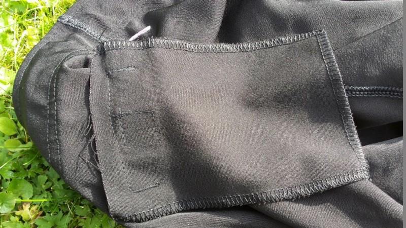 Große Tasche der AMRAP Trainingshose von innen