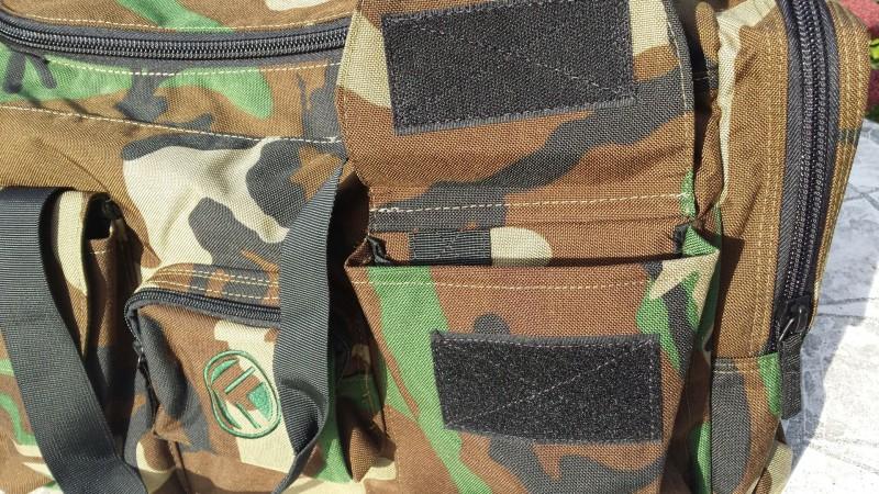 Die King Kong Bag 3.0 hat drei Taschen auf der vorderen Seite