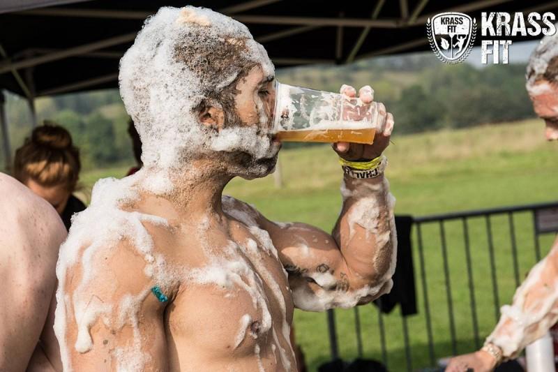 Ein kühles Bier als Belohnung im Ziel