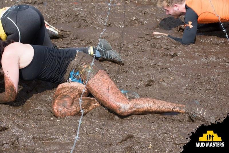 Kriechen in Weeze beim Mud Musters 2016