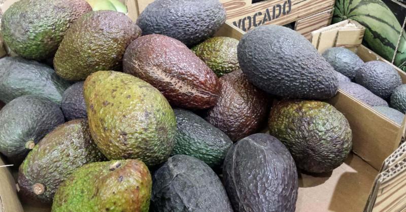 Avocado auswählen, lagern und reife erkennen