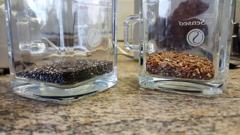 Quellfähigkeit von Chia und Leinsamen - 15 Gramm ohne Wasser