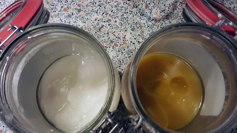 Ghee und Kokosöl werden bei höheren Temperaturen flüssig