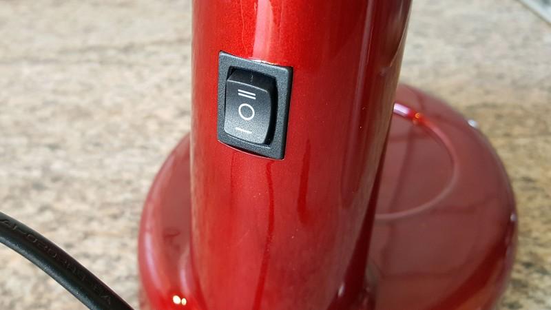 Schalter an der Rückseite des Geräts (Keine regulierbaren Stufen)