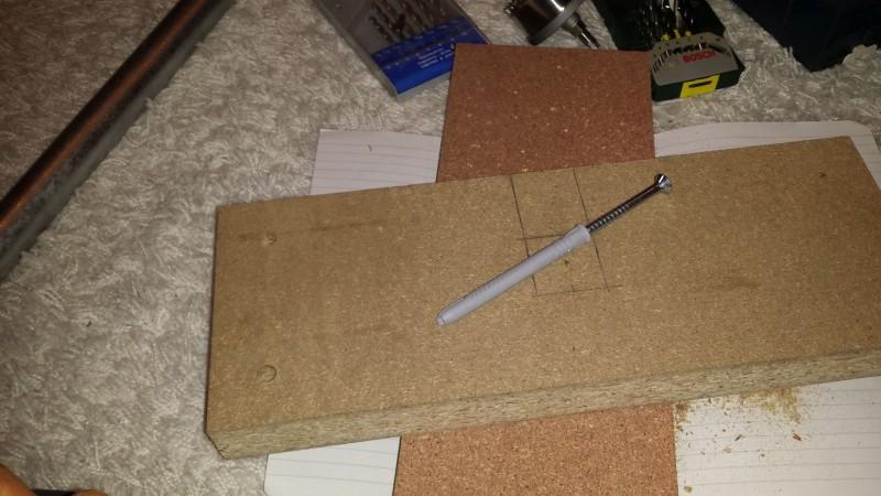 Die Holzklötze für die Ablage der Klimmzugstange (15x40x4cm)