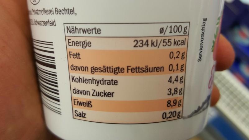 Nährwerte von Skyr mit dem Geschmack Erdbeere (Milbona)