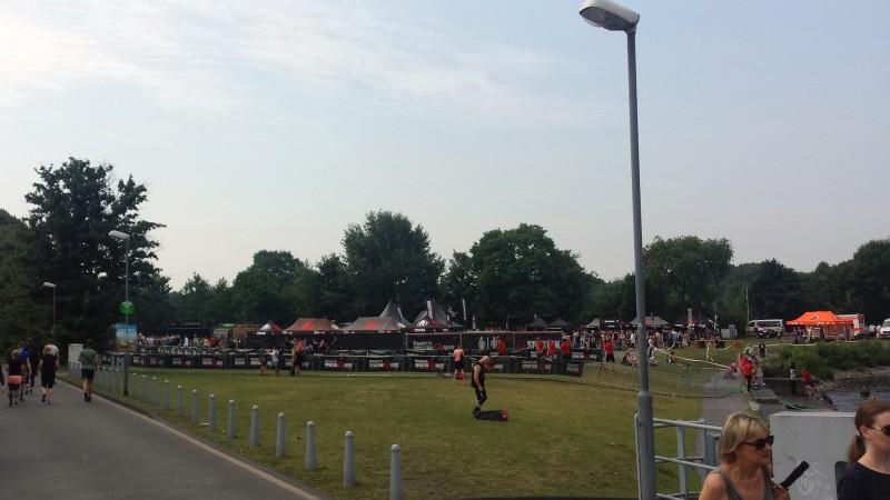 Ein Blick über das Eventgelände beim Spartan Race in Duisburg 2017
