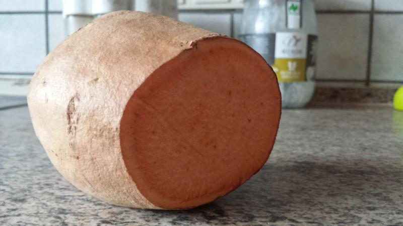 Süßkartoffel im Querschnitt